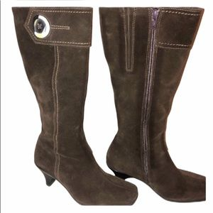 La Canadienne Brown Suede Heeled Boot Size 6 EUC